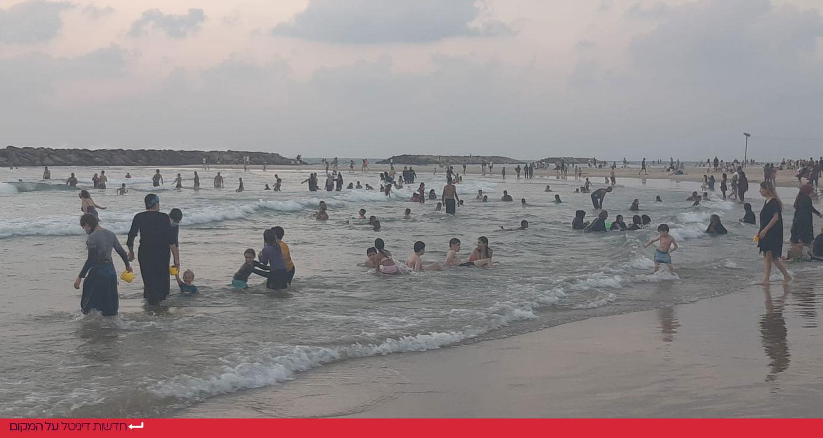מתרחצים בחוף אכדיה אחרי השעה 19:00 ללא מציל