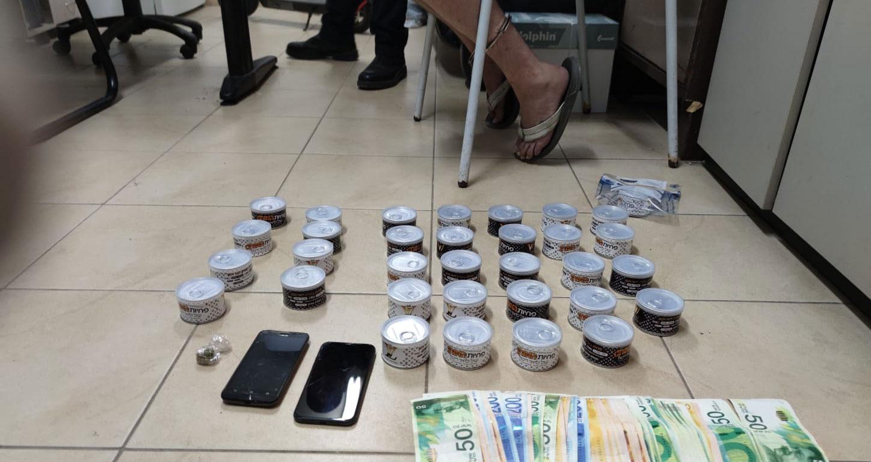 תפיסת סמים בפחיות של לואי ויטון - משטרת ישראל