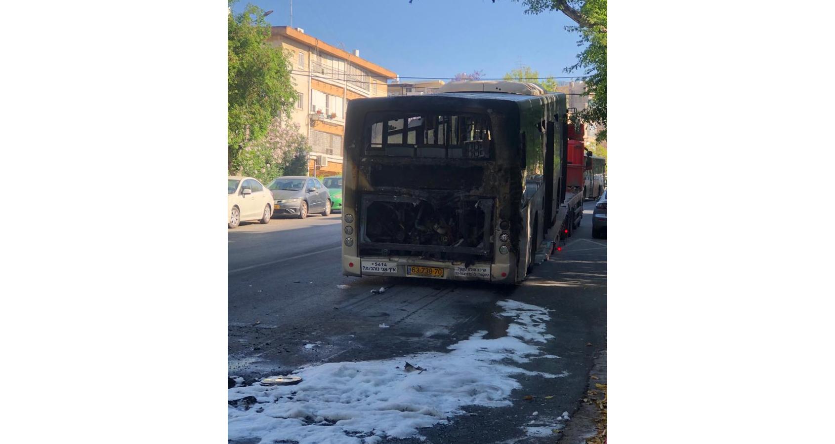 אוטובוס נשרף בהרצליה