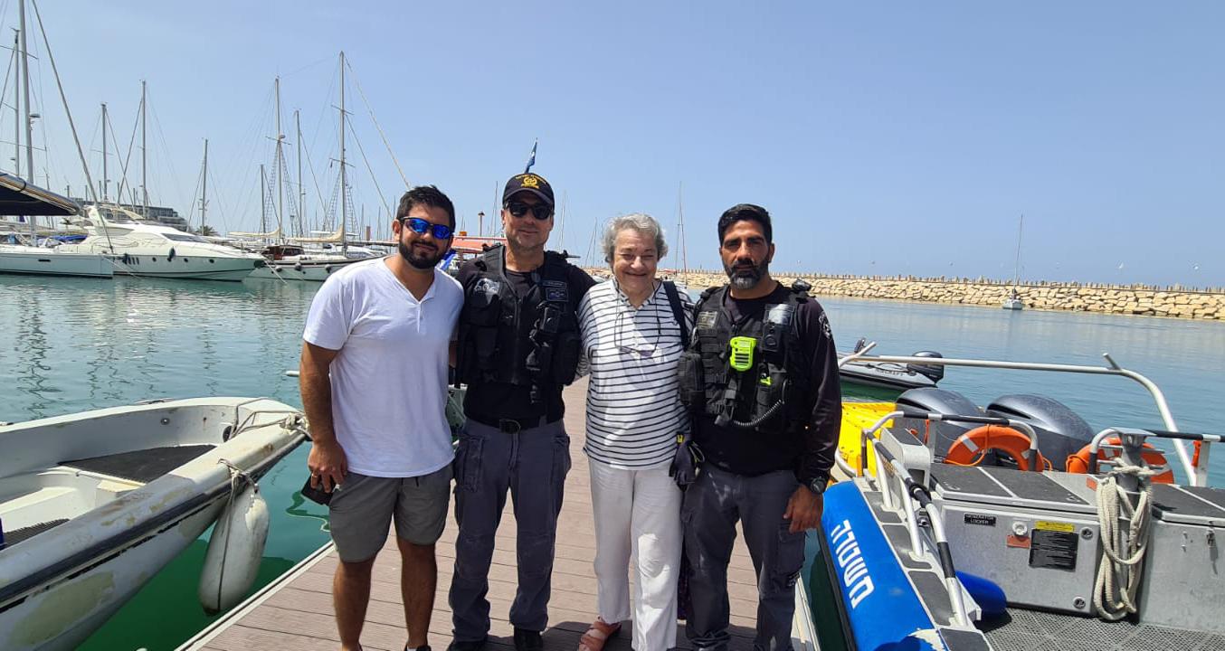 סיור ימי לניצולת שואה בהרצליה